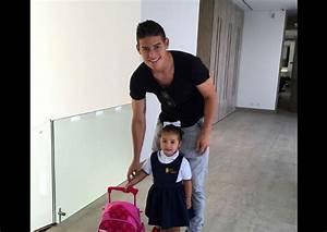 Foto de James Rodríguez acompañando a su hija a la escuela ...