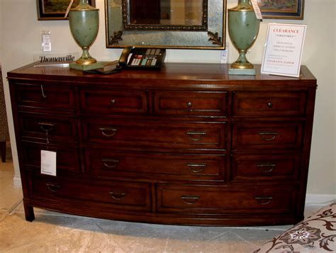 Discontinued Bedroom Furniture by Thomasville Bedroom Furniture Discontinued Layout