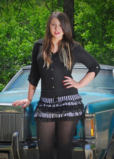 amateur mini skirt xxx photo