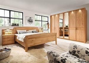 Schlafzimmer in Erle teilmassiv Kaufen bei lifestyle4living Möbelvertrieb GmbH & Co KG