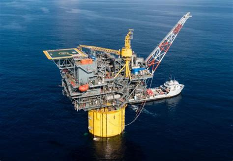 USA: Congressional delegation visits Gulf of Mexico ...