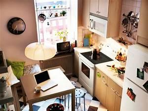 Kleine Küchen Einrichten : kleine k chen einrichten kleine r ume stellen die kreativit t auf die probe ~ Indierocktalk.com Haus und Dekorationen