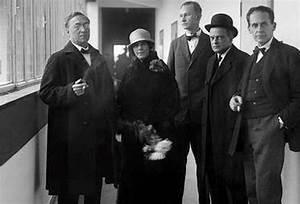 Bauhaus Walter Gropius : kandinsky s teaching celebrated in bauhaus show art agenda phaidon ~ Eleganceandgraceweddings.com Haus und Dekorationen