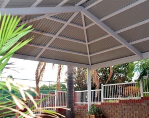 Hip Roof Pergola by Metal Roofed Pergola Verandahs Hipped Roof The Colourco