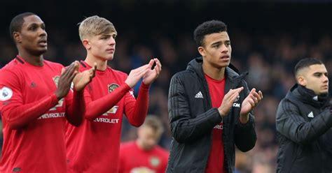 Manchester United could loan forgotten defender to Prem ...