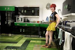 Thrifty Jenny Carruthers Furnishes Her ENTIRE 1m House