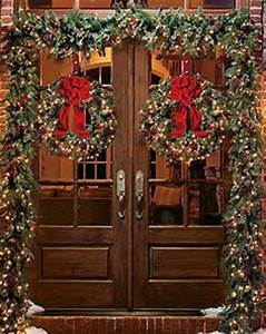 1000 ideas about Christmas Front Doors on Pinterest