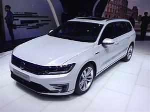 Volkswagen Passat Gte : paris motor show 2014 volkswagen parkers ~ Medecine-chirurgie-esthetiques.com Avis de Voitures