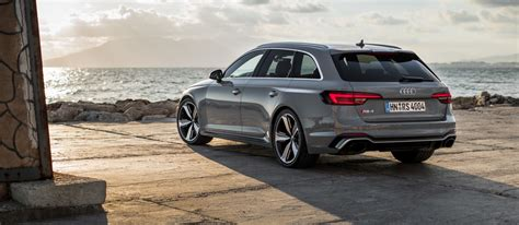 Audi RS4 Avant 2018 review: supercar fun for the whole ...