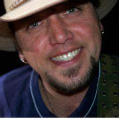 Those soulful eyes and that smile. him Jason Aldean on ...