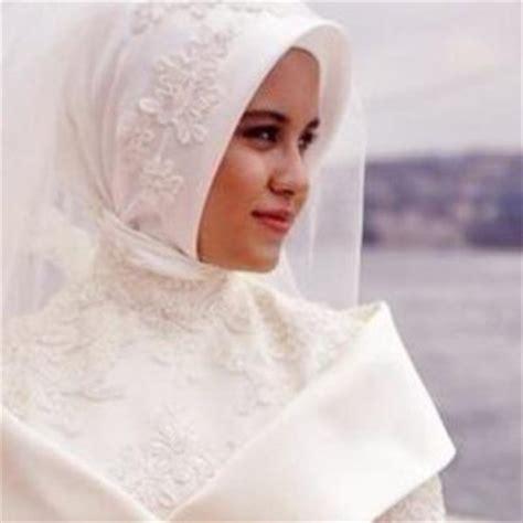 Cara Aman Berhubungan Dengan Suami 10 Wasiat Untuk Menjadi Istri Yang Baik Menurut Islam