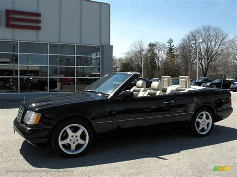 convertible mercedes black 1994 mercedes benz e 320 convertible in black 075471