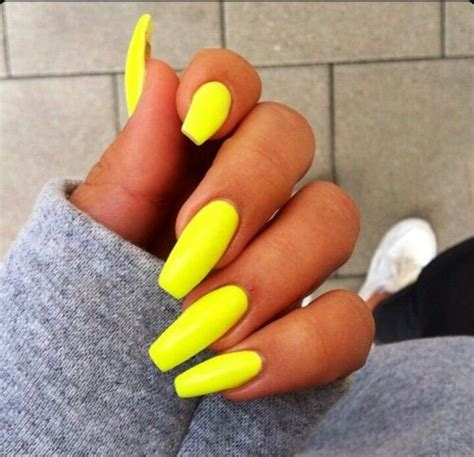 neon yellow green square tip acrylic nails nails