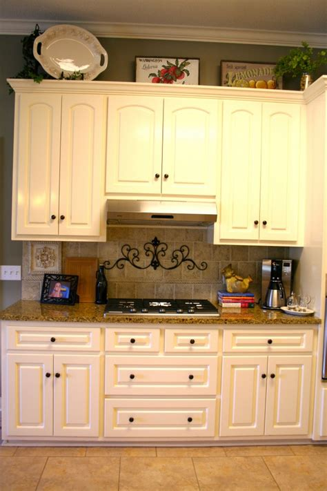 how to paint kitchen cabinets with chalk paint best chalk painting kitchen cabinets all about house design 9812