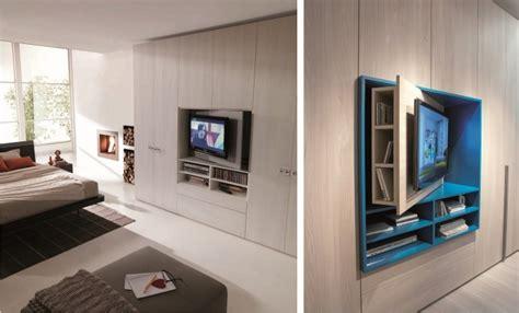 armadi con tv incorporata armadio con pannello televisore girevole