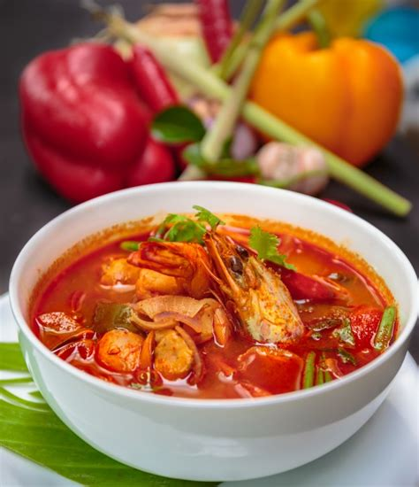 cuisine yum yum tom yum goong food photo free