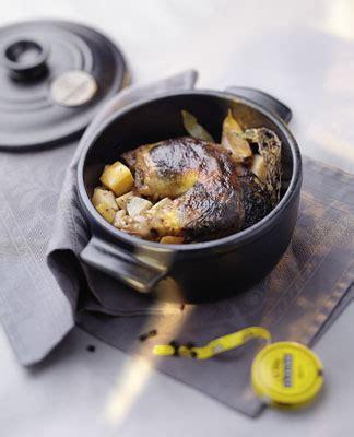 cuisine pintade cocotte recette cuisine gratin cocotte pintade réglisse s 39 cuiz in agence de création culinaire