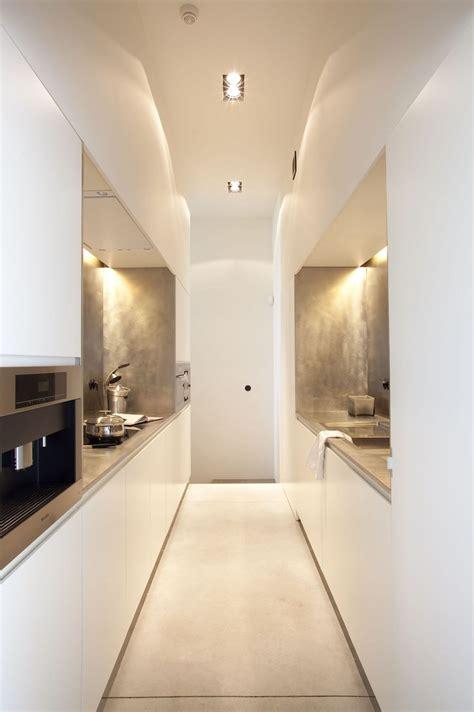 cuisine blanc mat sans poign馥 comment aménager une cuisine en longueur suite encore 30 idées