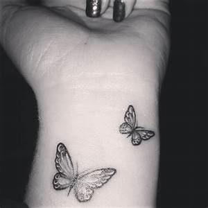 43+ Awesome Butterfly Tattoos On Wrist