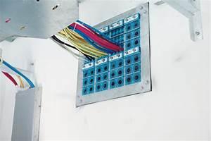 passe cable bureau gestion des c bles bureau equipements With plan de travail pour exterieur 8 bureaux operatifs logic