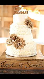 rustic wedding cakes best 25 rustic wedding cakes ideas on country wedding cakes country grooms cake