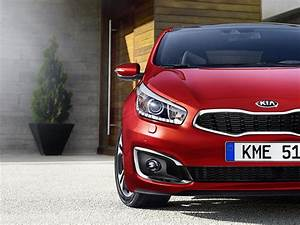 Kia Cee D : 2015 kia cee d facelift shows itself ahead of iaa debut autoevolution ~ Medecine-chirurgie-esthetiques.com Avis de Voitures