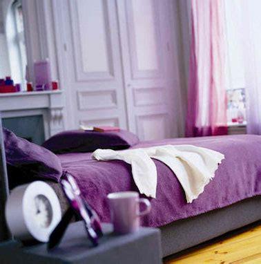 couleur violet pour chambre peinture chambre la couleur s 39 invite sur le pinceau