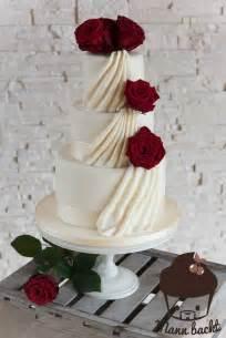 hochzeitstorte mit klassisch elegante hochzeitstorte mit echten und ein weiteres home für meine cakes