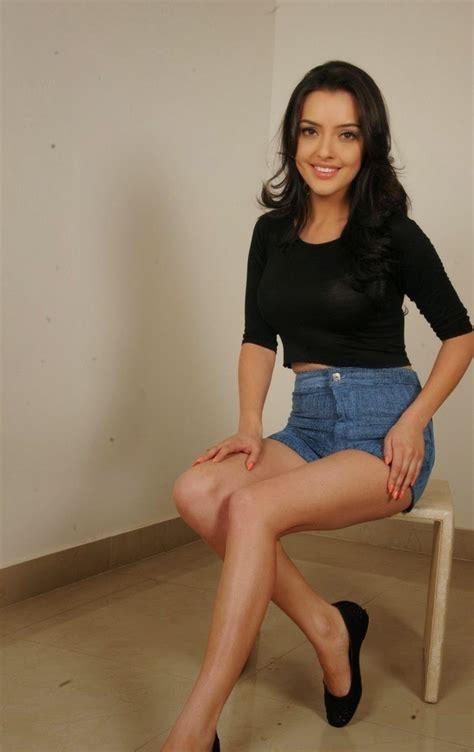kristina akheeva bikini actressmail actress kristina akheeva expose milky thigh