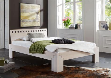 Bett Massivholz Weiß Lasiert  Haus Ideen