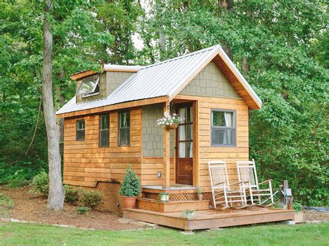 extremely tiny homes minimalistic living  style