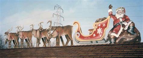 rooftop santa and sleigh santa s magic key stewart bint author