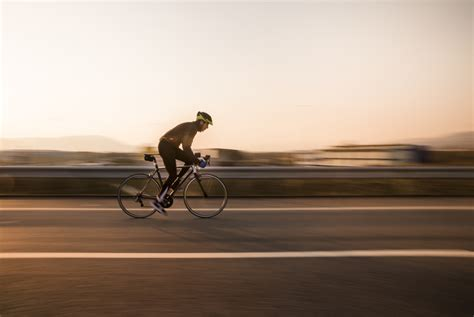 siege rexel rexel uk parcourt 671 kilomètres à vélo pour une opération