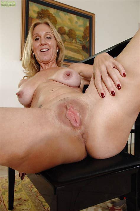 Mature Porn Photos Matures2