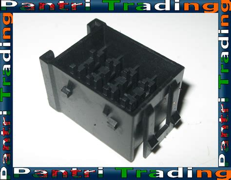 E34 Fuse Box by Bmw E32 E34 Fuse Box Holder Socket 16413 17014 Ebay