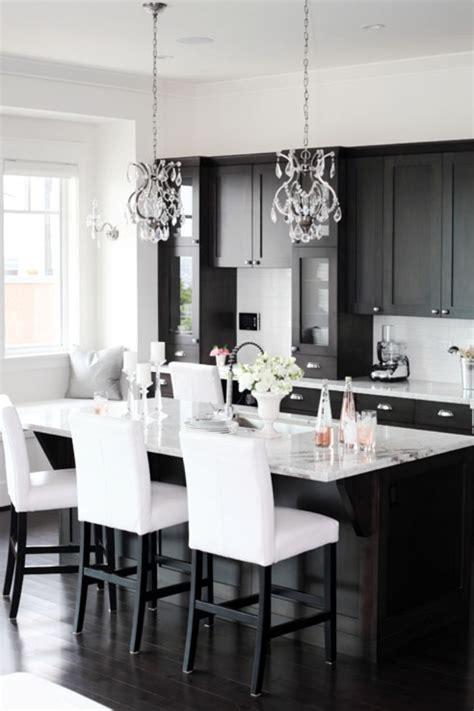 25+ Unbelievable Kitchen Decor For Dark Cabinets
