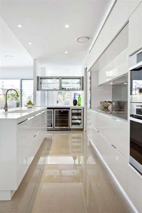 carrelage cuisine moderne 41 photos qui vont vous présenter le carrelage brillant