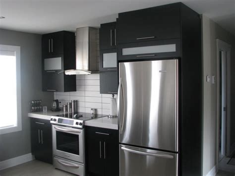 armoire de cuisine ikea armoires noires dosseret blanc idées déco et