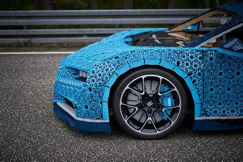 Finally, i have managed to have a look at the bugatti chiron in real life at hr owen, the mayfair london dealer. LEGO built a life-size Technic bugatti chiron model
