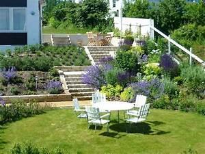 Amenagement jardin en pente idees de decoration for Exceptional amenager jardin en pente 0 amenagement jardin en pente idees comment vous faciliter