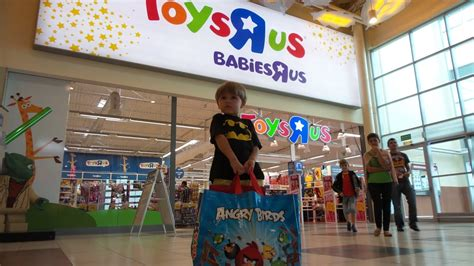 Toys R Us Shopping In Poland