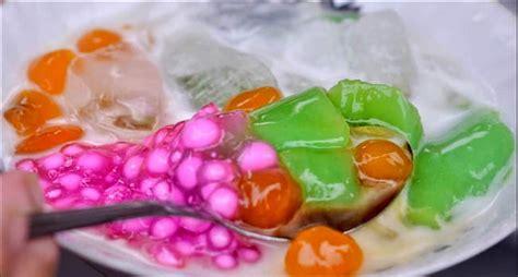 Bubur sumsum telah lama dikenal luas di indonesia bahkan juga malaysia. VIRAL Resep Es Bubur Sumsum Hijau Mutiara Ala Abang Abang Street Food + VIDEO