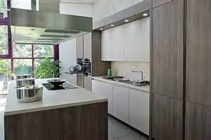 designerküche rotpunkt musterküche designerküche mit kochinsel grifflos beige matt laminat