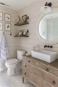 Fixer Upper Badezimmer : 11 stunning examples of farmhouse shiplap paneling ~ Orissabook.com Haus und Dekorationen