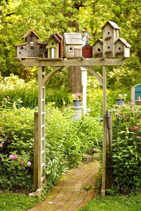 futterhaus für vögel selber bauen ausgefallene gartendeko selber machen 101 beispiele und upcycling ideen crafting for fairies