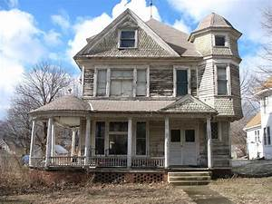 House Style Palettenkissen : neglected victorian style house a badly neglected ~ Articles-book.com Haus und Dekorationen
