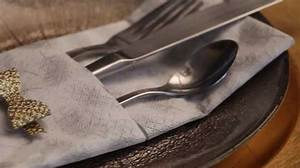 Pliage Serviette Youtube : pliage de serviette une pochette couverts youtube ~ Medecine-chirurgie-esthetiques.com Avis de Voitures