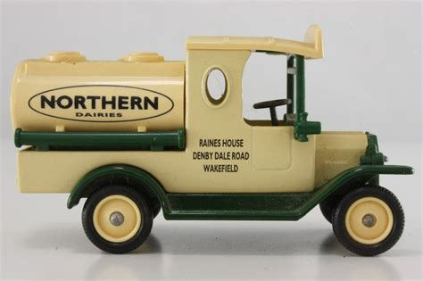 DG008-Ford Model T Tanker 1920