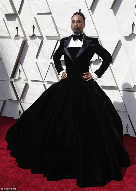 Oscars Red Carpet Pose Star Billy Porter Stuns Tuxedo