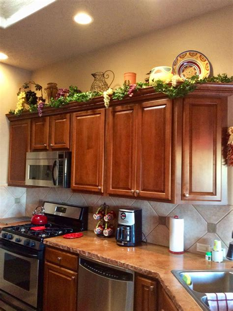 decorating   kitchen cabinets tuscandesign